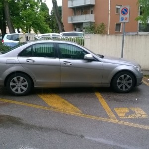 Massimo Meneghin parcheggi riservati